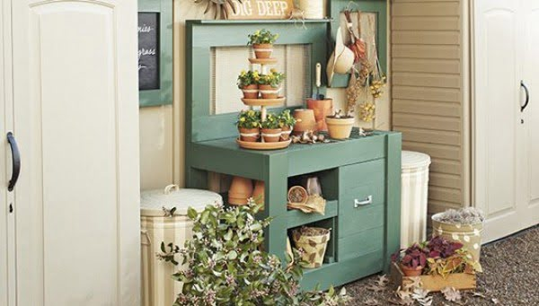 DIY Potting Bench Plans to Make your Gardening Easier