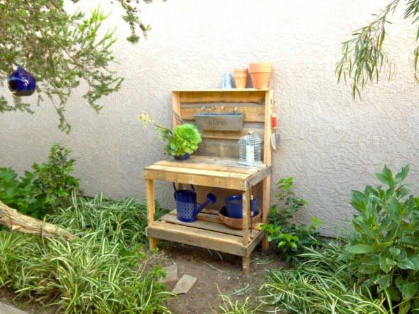 Weekend DIY: Potting Bench