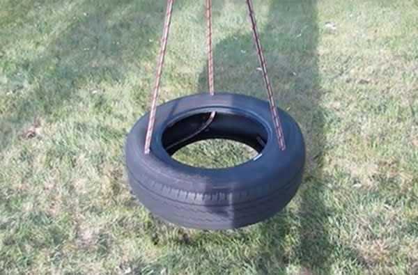 How to Make the Perfect DIY Tire Swing For Your Backyard
