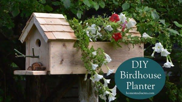 Birdhouse Planter: Easy DIY Planter Box #DIY #windowbox #planter #gardening