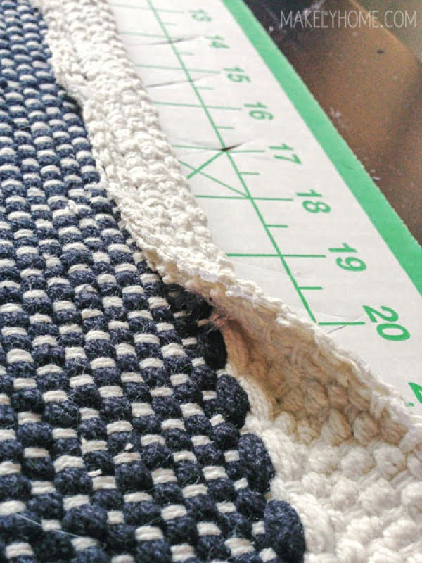How to Create a Non-Slip Bath Mat from a Cotton Rug