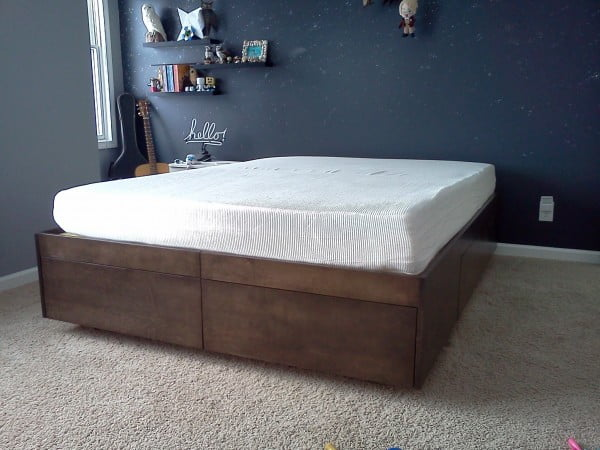 Platform Bed With Drawers #DIY #bedroom #storage #organization #homedecor