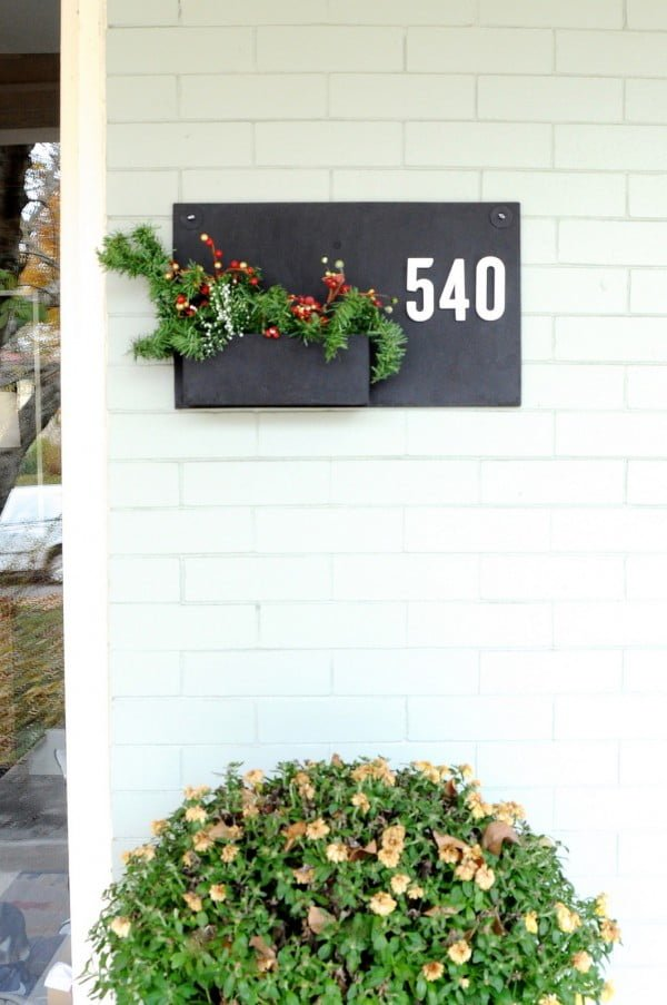 DIY Metal Wall Planter With House Numbers (AKA the Easiest DIY in History)