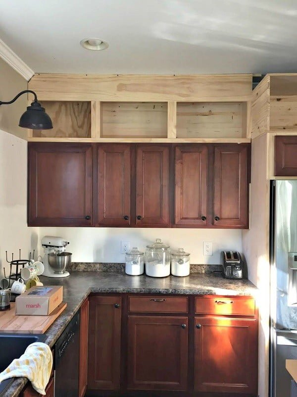 25 Easy DIY Kitchen Cabinets with Free Step-by-Step Plans #DIY #kitchen #kitchendesign #homedecor