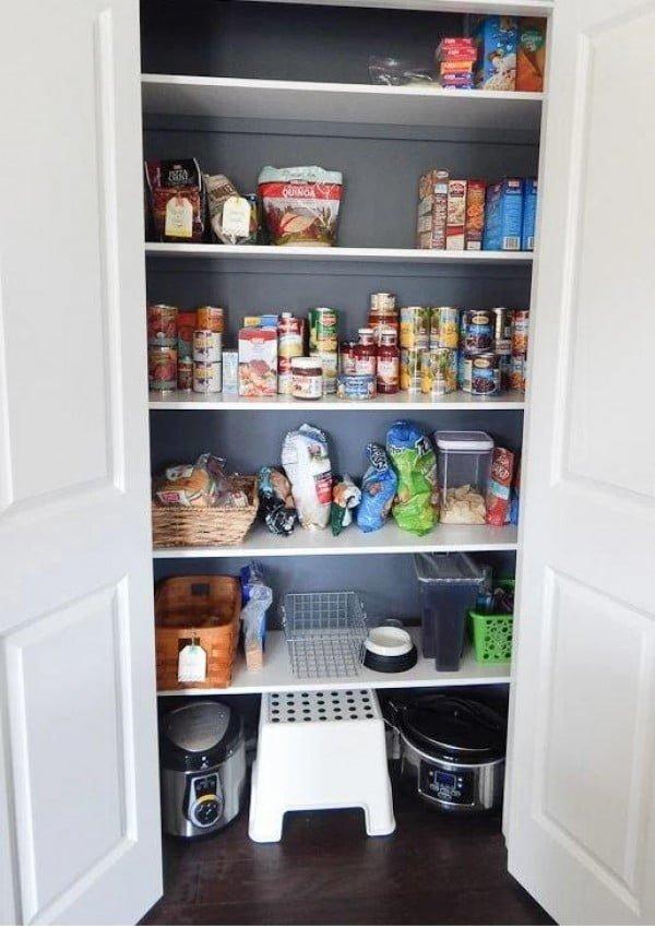 27 Easy DIY Pantry Shelves for Much More Storage in the Kitchen #DIY #kitchen #kitchendesign #homedecor