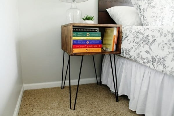 23 Easy DIY Hairpin Furniture Projects for Mid-century Decor on a Budget