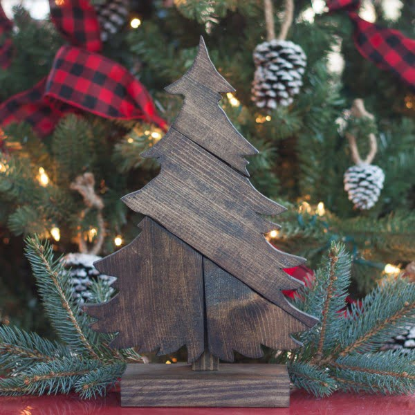 DIY Patchwork Wood Christmas Tree    working