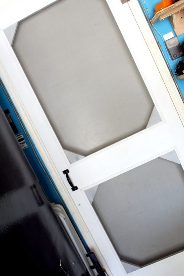 How to Build a DIY Screen Door from Scrap Wood    working