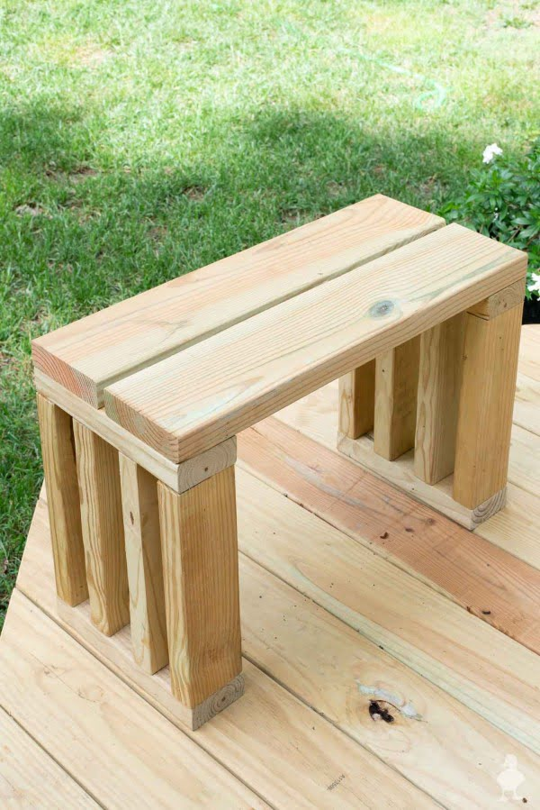 DIY Outdoor Bench Seat    working