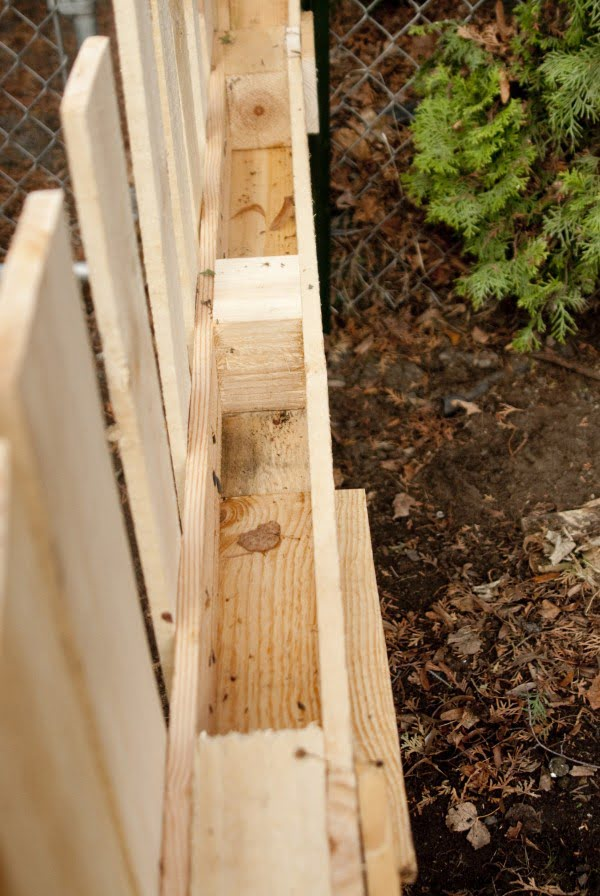 DIY:  Pallet Fence