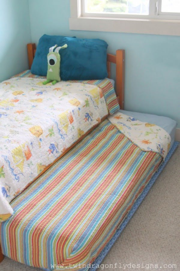 How to Build a DIY Trundle Bed » Dragonfly Designs