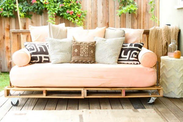 patio bed made from pallets