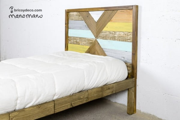 bed with accent headboard from pallet wood