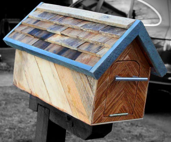 Reclaimed Wood Mailbox