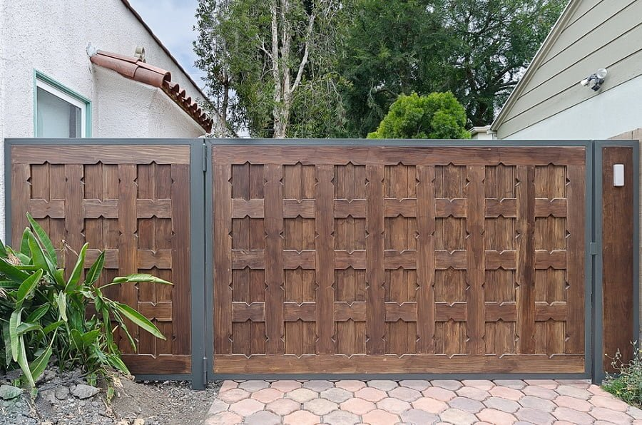 How to Build a Driveway Gate - Full Guide