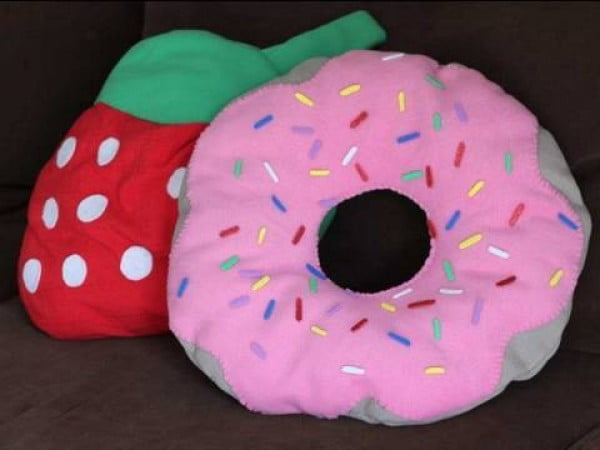 DIY Donut Pillow w/ Strawberry Frosting How to Make