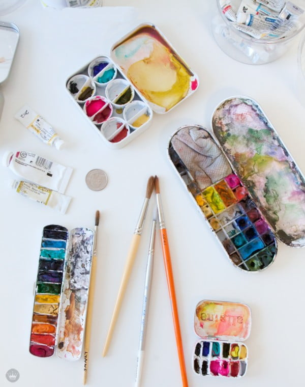 Make your own DIY mini paint palette