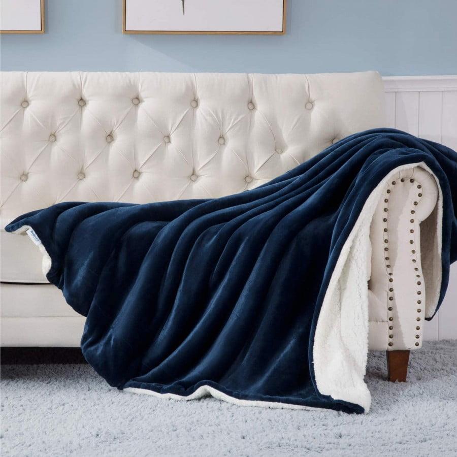 Bedsure Sherpa Fleece Blanket Throw Size Navy
