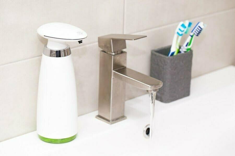 Automatic dispenser of liquid soap